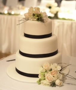 W21 - Simply Elegant wedding cakes sydney