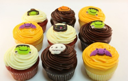These Halloween cupcakes are the perfect sweet to add to your Halloween party! A box of 9 consists of assorted flavours including red velvet, chocolate and vanilla. Each is finished with an iced Halloween character. Stocks are limited so get your orders in fast! Order online now Halloween cupcakes manufactured in sydney, Casa Del manufactures […]