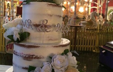 A popular trend amongst bakers, these 'naked' cakes are un-iced  or roughly iced, creating an exposed or rustic look for those seeking an alternative to a traditional wedding cake. But is icing-free the right look for you? These stunning examples will surely convince you! Contact us today to arrange a consult with our wedding cake […]