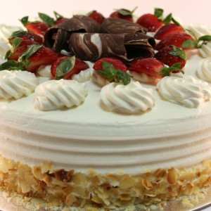 Strawberry Cream Vanilla Torte
