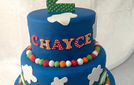 Casa Del specialise in customising your cake. Use one of our designs and give it your little twist or bring us a brand new idea and we will work with you to bring it to life! Splash out and do something special for your next Birthday celebration. Contact us today for a free quote!