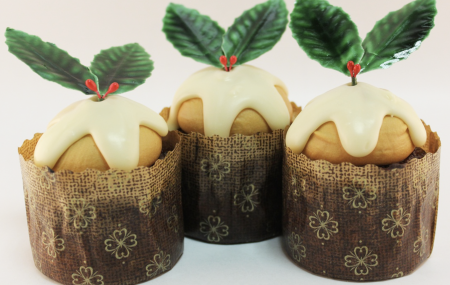 Hi Everyone! Christmas is around the corner and it's time to get into the spirit! What are some of your favourite desserts to indulge this holiday season? Share your favourite desserts and appetisers in the comments! This year has been a whirlwind of a rollercoaster, this Christmas it is important to cherish the special moments […]